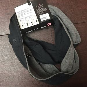 NWT Cuddl Duds Reversible Infinity Scarf